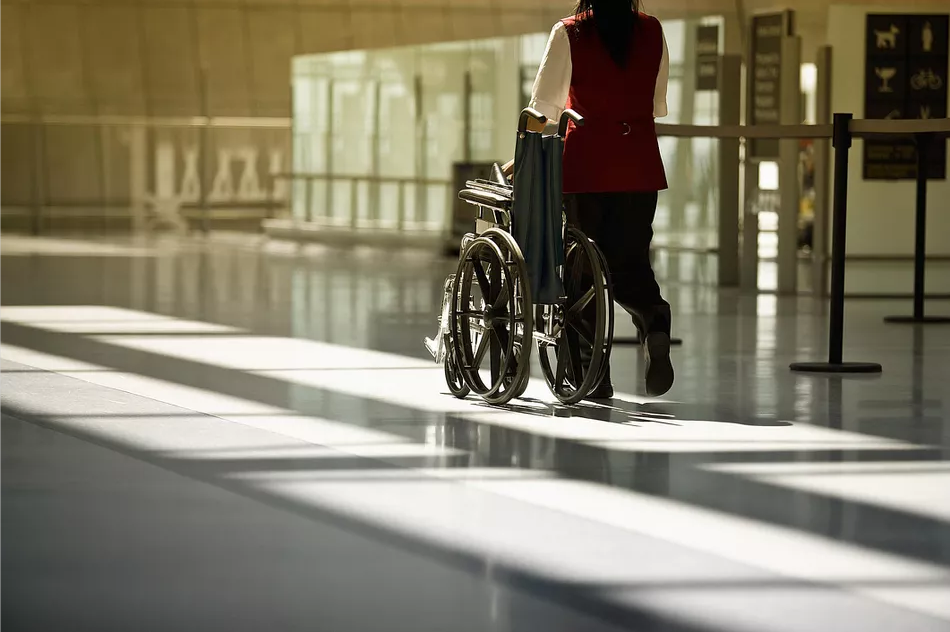 How to Travel with Lightweight Wheelchairs?
